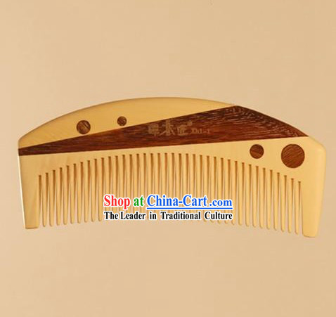 Chinese Carpenter Tan 100% Hand Made and Carved Natural Wood Comb