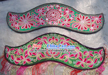 Chinese Stunning Miao Tribe Hand Embroidery Collectible-Cow Horn Flake