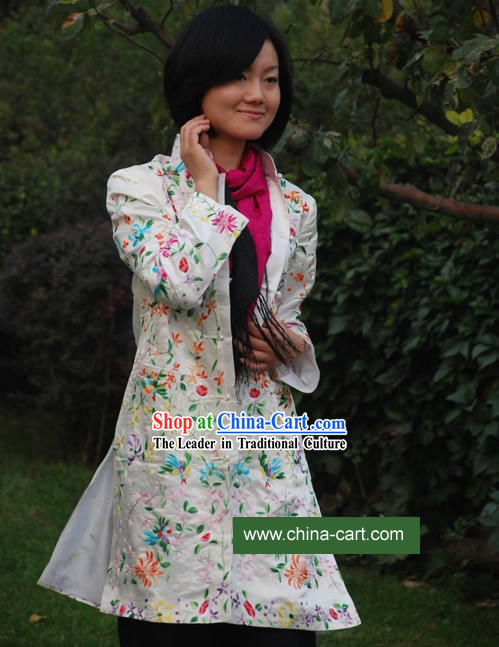 Chinese Classical Silver Handmade and Embroidered Floral Silk Blouse for Women