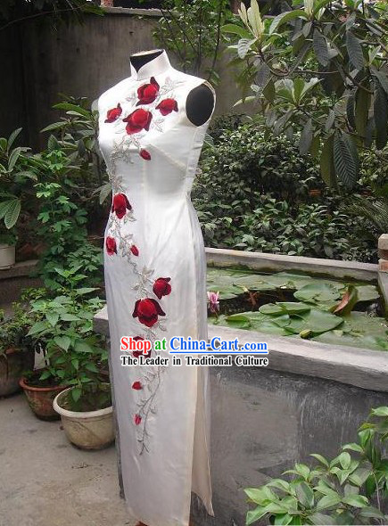 Stunning Mandarin White Cheong-sam with Red Roses