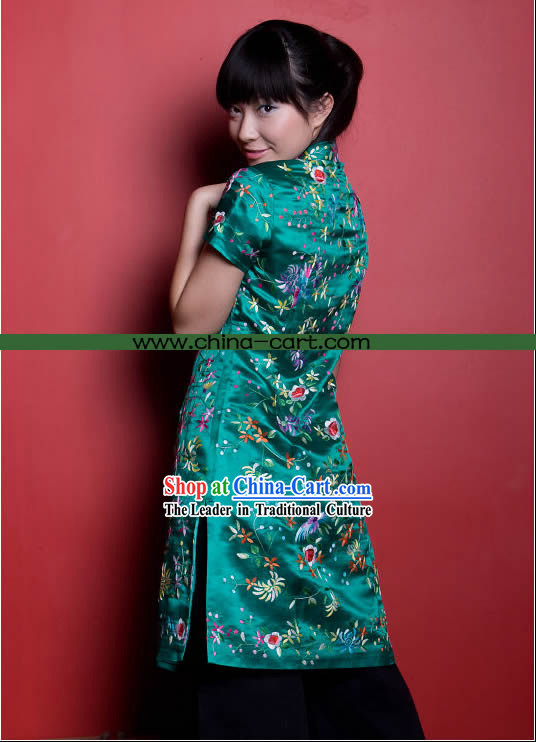 Traditional Chinese Stunning Hand Embroidered Flower Garment (green)