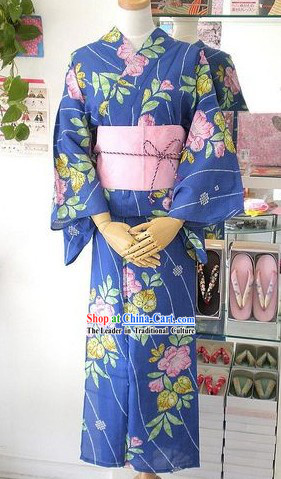 Traditional Blue Floral Japanese Kimono Handbag and Geta Full Set