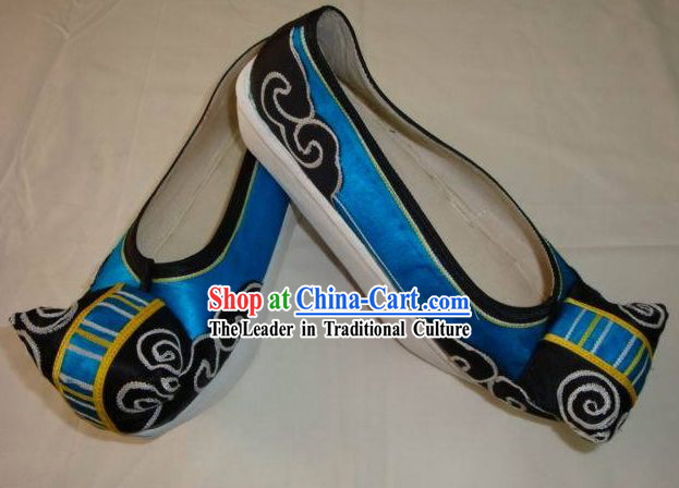 Supreme Chinese Traditional Embroidered Shoes for Young Men