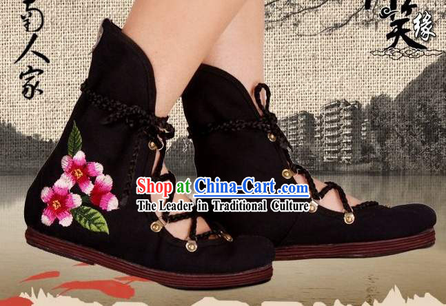 Traditional Chinese Hand Embroidery Cloth Boots