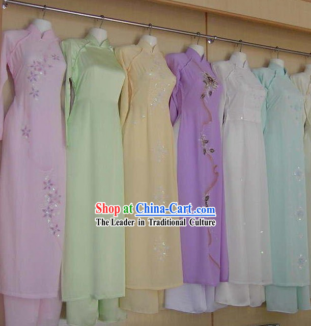 Custom Vietnamese Costumes for Women