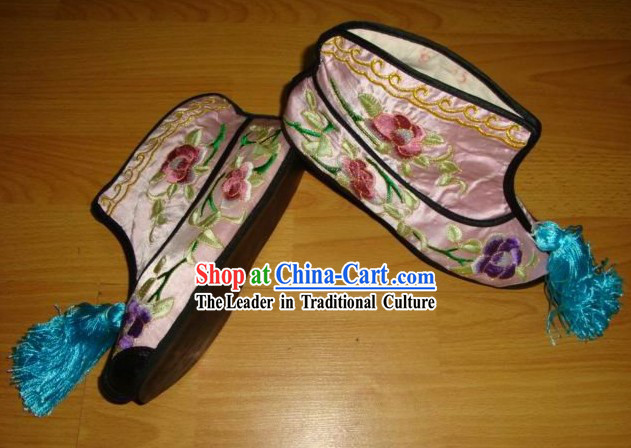 Chinese Embroidered Shoes Wear in Opera