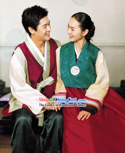 Traditional Korean Dress for Couple