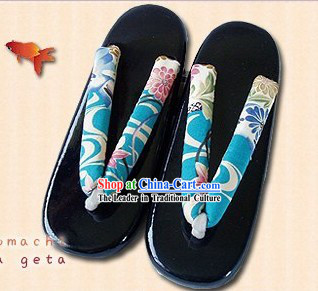 Traditional Japanese Blue Geta Set for Women