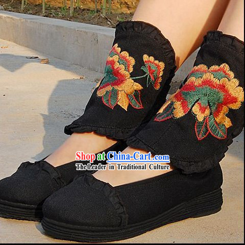 Traditional Chinese Dance Embroidery Shoes