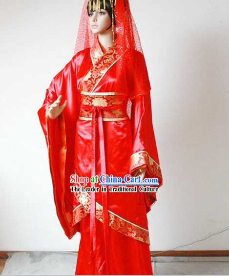 Traditional Chinese Red Wedding Clothing for Brides