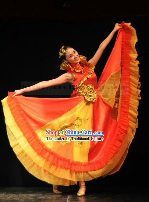 Traditional Chinese Accompany Dance Costume and Headpiece