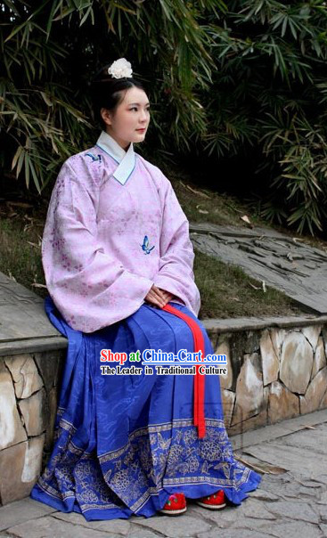 Ming Dynasty Female Outfit