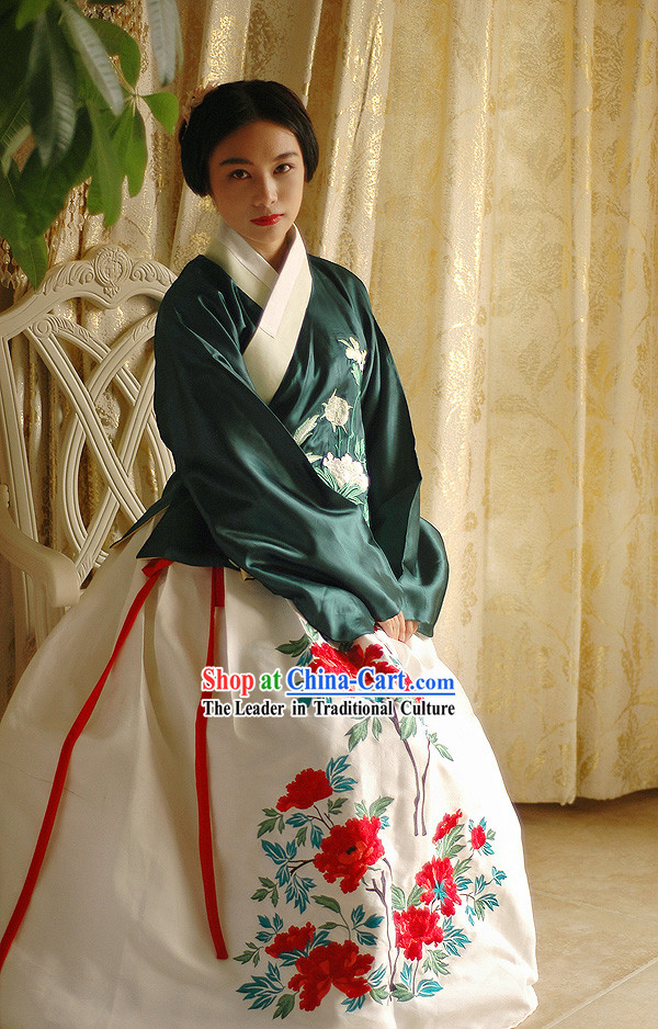 Beautiful Traditional Hanfu Clothes for Women