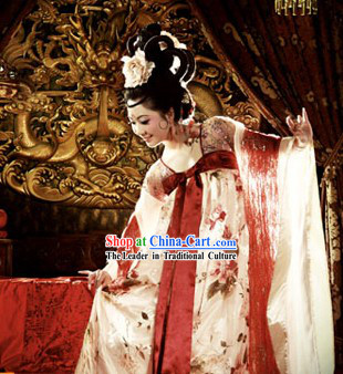 Tang Dynasty Chinese Clothing for Women