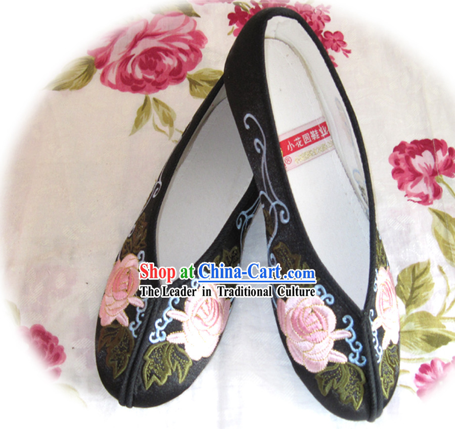 Chinese Black Flower Embroidery Shoes