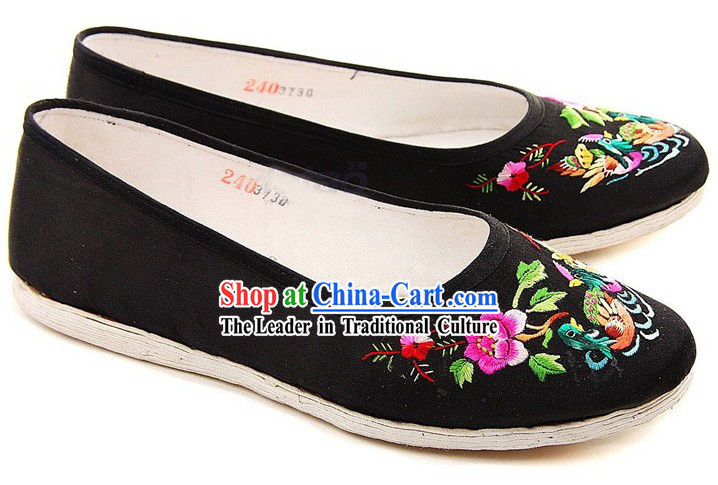Chinese Handmade Bu Ying Zhai Embroidered Black Shoes for Women