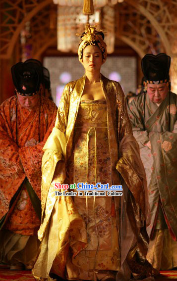 Gong Li's Golden Outfits of the Movie Curse of the Golden Flower