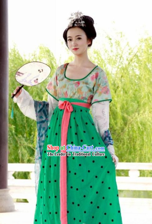 Chinese Tang Dynasty Women Clothing