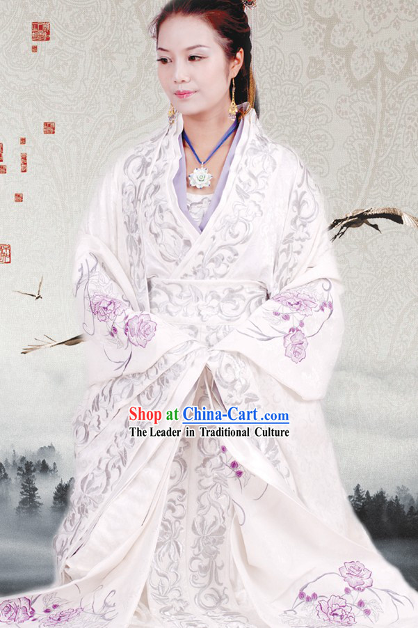 Chinese Embroidered White Wedding Dress