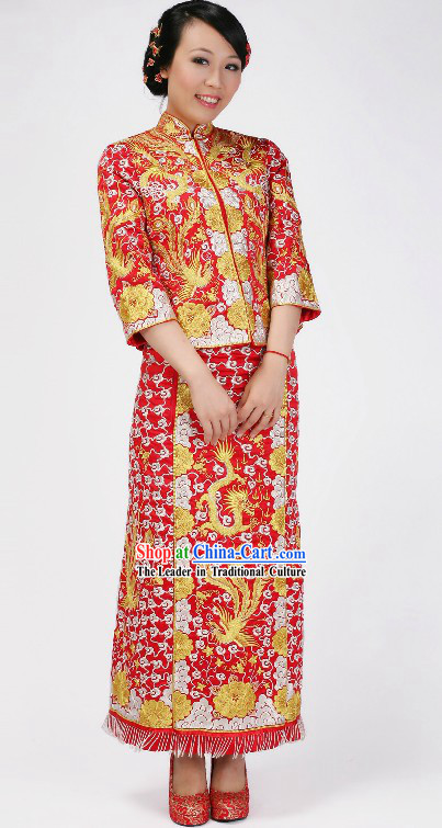 Traditional Chinese Brides Wedding Clothes
