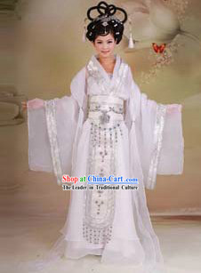 Ancient Chinese Lady in White Costumes for Women