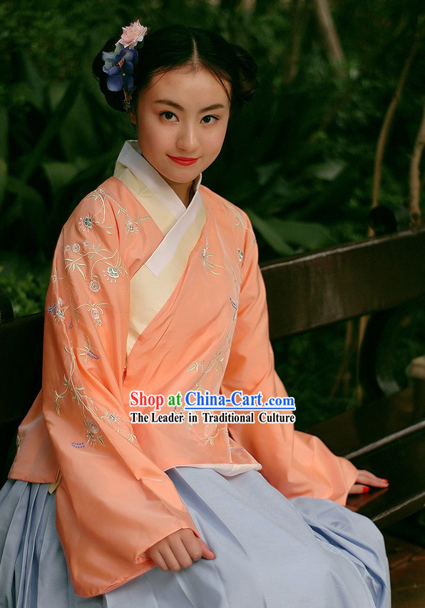 Traditional Chinese Embroidered Hanfu Clothing for Women