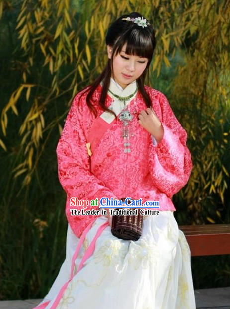 Traditional Song Dynasty Hanfu Garment for Women