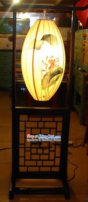 Chinese Classic Handmade and Painted Silk and Wood Standard Floor Lamp