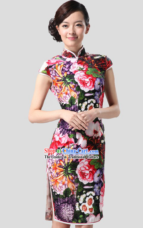 Traditional Chinese Silk Flower Qipao for Women