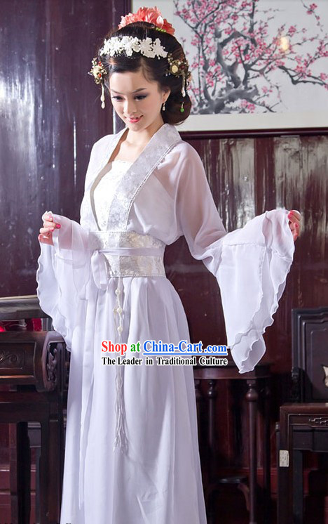 Traditional Chinese White Wide Sleeve Clothing for Women
