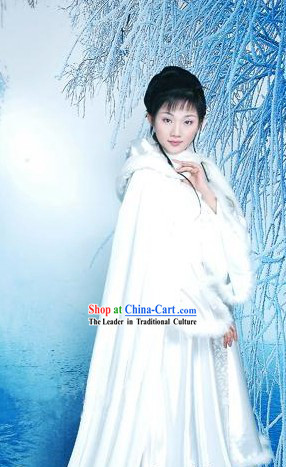 Chinese Classical White Winter Palace Long Tail Cape