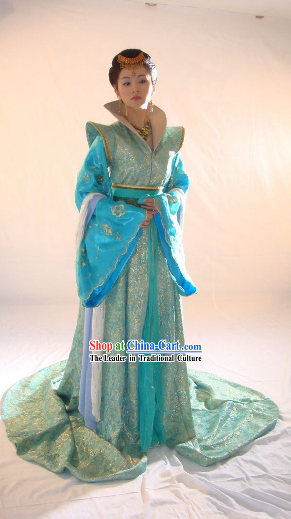 Ancient Chinese Tang Dynasty Princess Blue Clothing and Hair Accessories