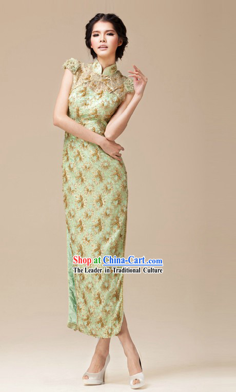 Traditional Chinese Green Cheongsam for Women