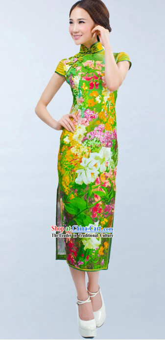 Traditional Chinese Green Flower Cheongsam for Women