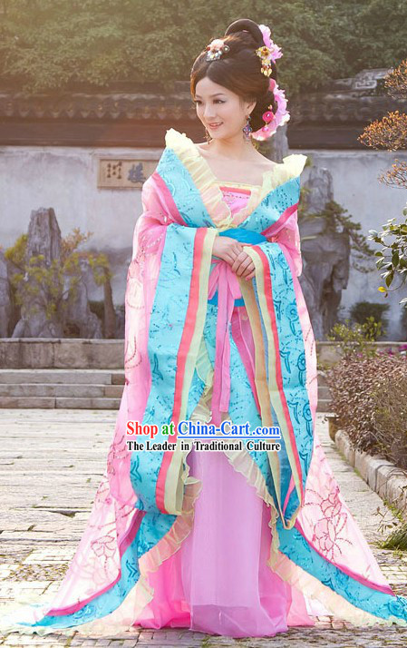 Ancient Chinese Tang Dynasty Princess Costume and Hair Accessories