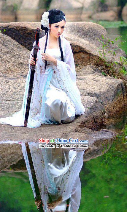 Ancient Chinese Xiao Qian White Costume and White Flower Hair Decoration