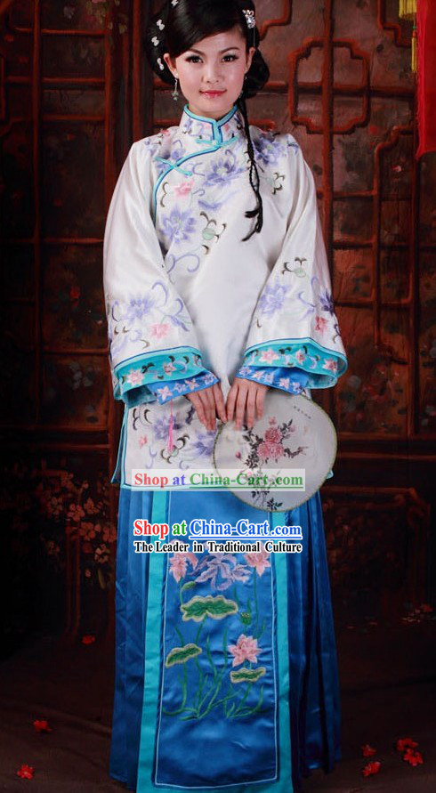 Ancient Chinese Qing Dynasty Embroidered Clothes for Beauty