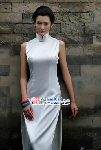 Traditional Chinese Pure White Long Silk Cheongsam for Women