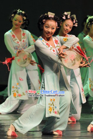 Ancient Chinese Circular Fan Dance Costumes and Hair Accessories for Women