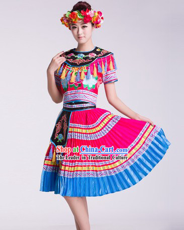 China Ethnic Tu Jia Clothing and Headwear Complete Set for Women