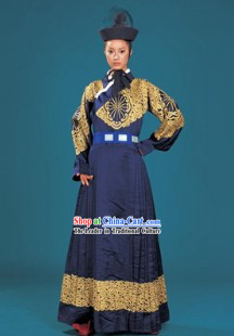 Chinese Traditional Hanzhuang Clothing and Hat