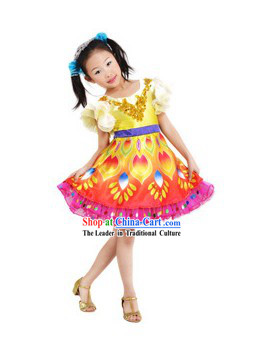 Traditional Chinese Dance Costumes and Headdress for Children