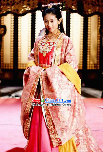 Ancient Chinese Tang Dynasty Princess Clothes and Hair Accessories