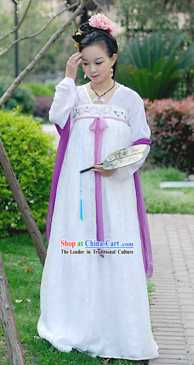 Ancient Chinese Tang Dynasty Costumes for Women
