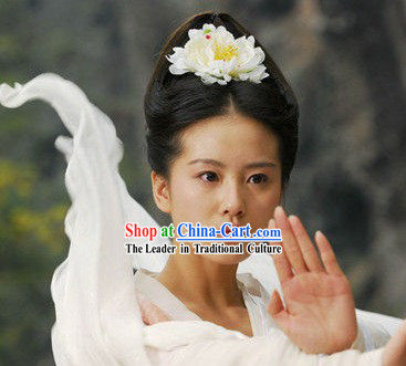 Liu Shishi Beauty Black Fairy Wig and White Flower Hair Accessory
