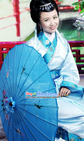 Silver Flower Han Fu Clothes and Umbrella