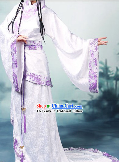 Ancient Chinese Han Dynasty Qu Ju Clothing Set and Hair Accessories for Lady