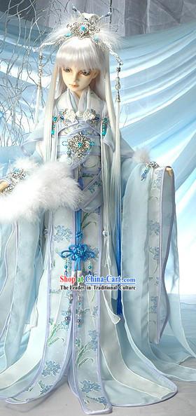 Light Blue Traditional Chinese Outfits and Accessories for Handsome Boys