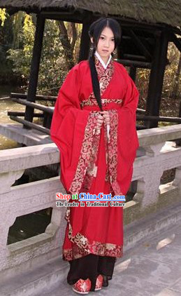 Traditional Red Wedding Dress Outfits for Brides