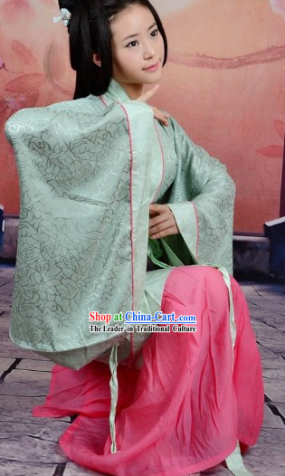 Traditional Ancient Chinese Han Dynasty Quju Outfit for Women